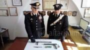 Produce armi clandestine in casa: arrestato 25enne residente in Valconca