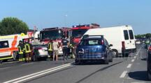 "FOTO Grave incidente all'altezza del centro commerciale ""I Malatesta"" a Rimini: coinvolte tre auto"