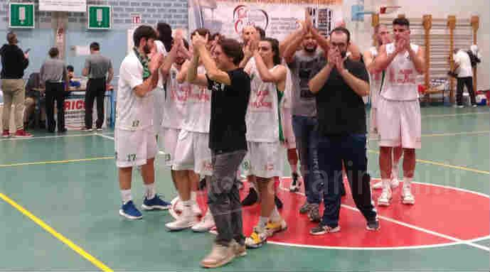 I Rose6Crown Villanova Tigers esultano a fine partita