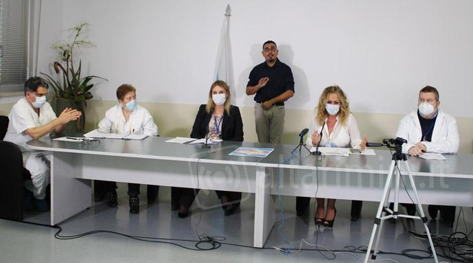 Personale dell'Iss in conferenza stampa