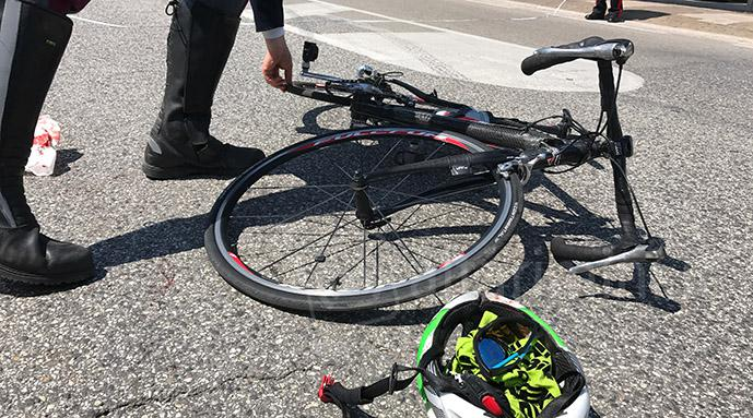 Incidente auto bici, foto di repertorio