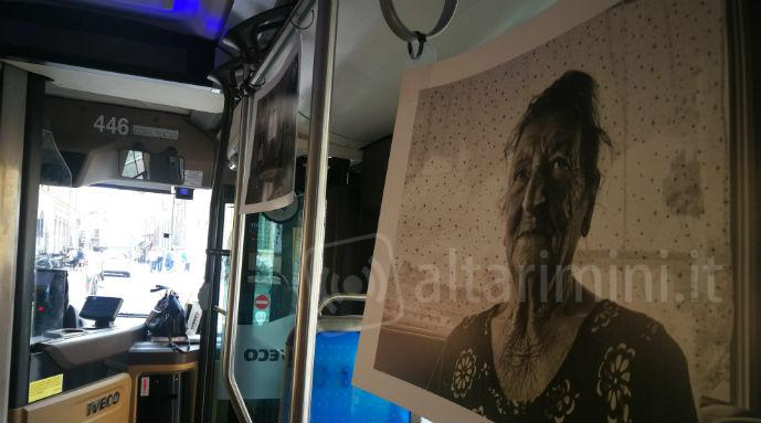 L'interno del bus presente all'iniziativa