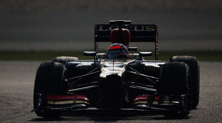 F1, seconde libere Bahrein: Kimi davanti, Alonso quarto dietro le Red Bull